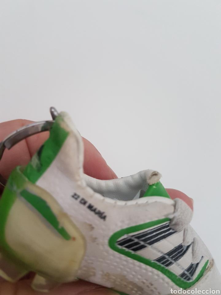 Coleccionismo deportivo: 8 Llaveros botas futbol. Iker Casillas, Messi, Villa, Xavi, etc... Marca. - Foto 10 - 178078302