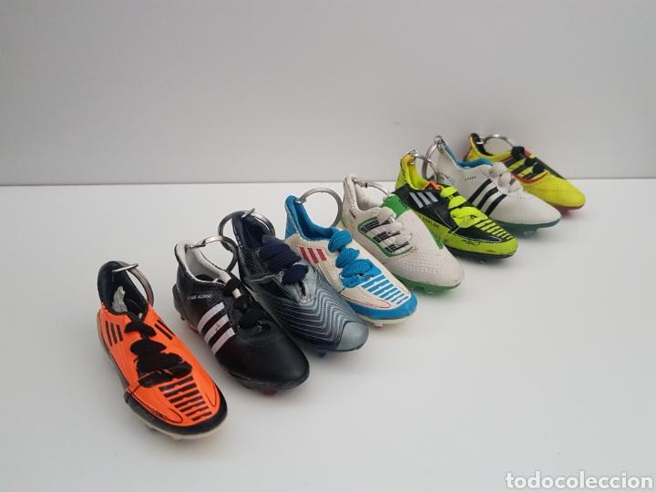 8 LLAVEROS BOTAS FUTBOL. IKER CASILLAS, MESSI, VILLA, XAVI, ETC... MARCA. (Coleccionismo Deportivo - Merchandising y Mascotas - Futbol)