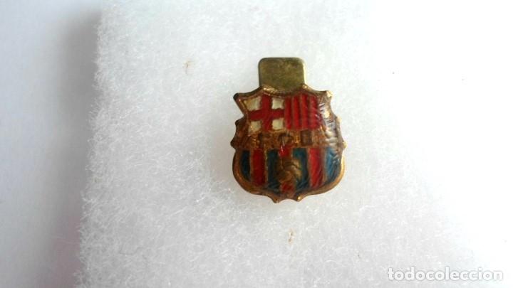 Coleccionismo deportivo: ANTIGUA INSIGNIA Fc BARCELONA - BARÇA - PARA OJAL - Foto 2 - 178179231