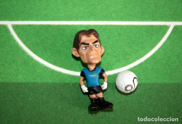 Coleccionismo deportivo: Spanistoon - 15 Figuras Selección Española + Balón - Colección MARCA - Mundial Alemania 2006 - Foto 2 - 49132401