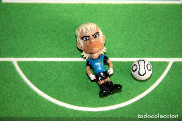 Coleccionismo deportivo: Spanistoon - 15 Figuras Selección Española + Balón - Colección MARCA - Mundial Alemania 2006 - Foto 3 - 49132401