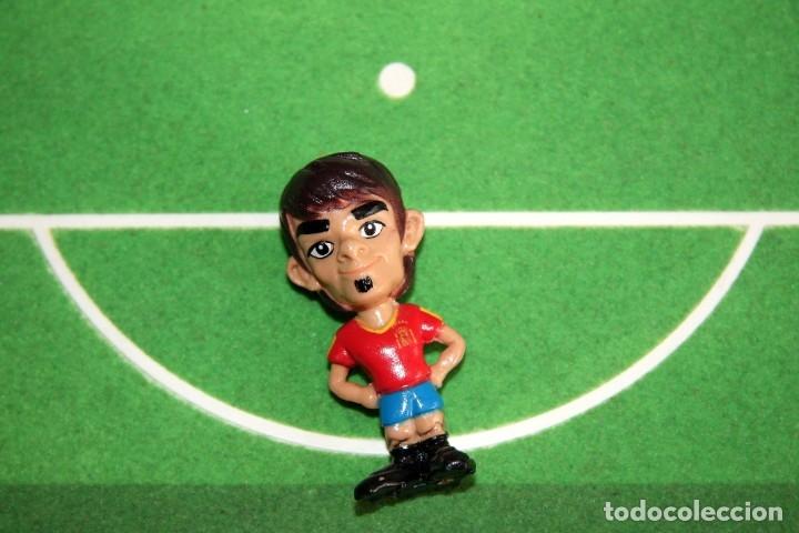 Coleccionismo deportivo: Spanistoon - 15 Figuras Selección Española + Balón - Colección MARCA - Mundial Alemania 2006 - Foto 5 - 49132401