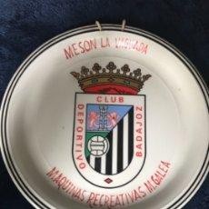 Coleccionismo deportivo: ANTIGUO PLATO FUTBOL CLUB DEPORTIVO BADAJOZ . Lote 178258376