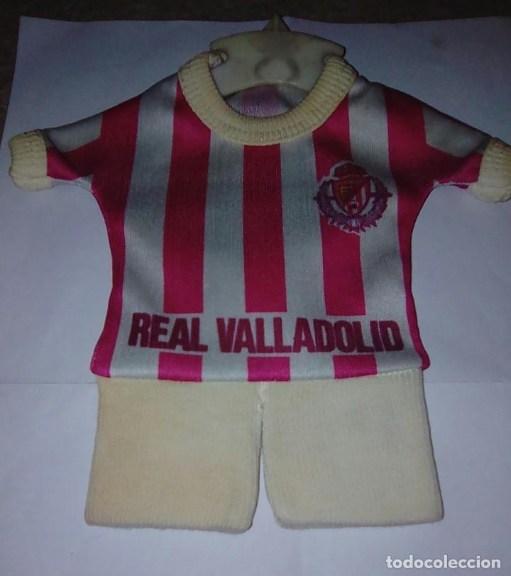 CAMISETA REAL VALLADOLID PARA COLGAR EN COCHE. AÑOS 80. (Coleccionismo Deportivo - Merchandising y Mascotas - Futbol)