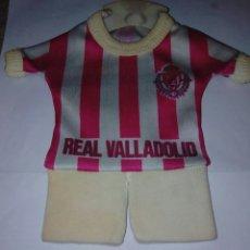 Coleccionismo deportivo: CAMISETA REAL VALLADOLID PARA COLGAR EN COCHE. AÑOS 80.. Lote 179253470