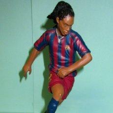 Coleccionismo deportivo: JUGADOR DEL F.C.BARCELONA RONALDINO. Lote 179337406