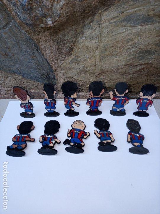 Coleccionismo deportivo: Once jugadores del Barça de los años 90 - caricaturas en metal esmaltado - Foto 5 - 180084727