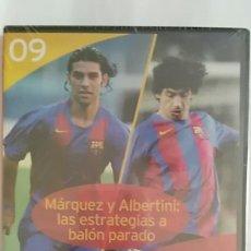 Coleccionismo deportivo: DVD PRECINTADO LA CLASE DEL BARÇA Nº09 MARQUEZ Y ALBERTINI: LAS ESTRATEGIAS A BALON PARADO F.C.B. Lote 180286630