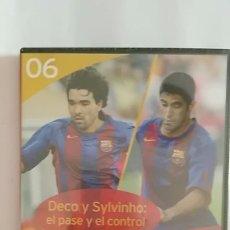 Coleccionismo deportivo: DVD PRECINTADO LA CLASE DEL BARÇA Nº06 DECO Y SYLVINHO: EL PASE Y EL CONTROL F.C.B. Lote 180287608