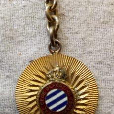 Coleccionismo deportivo: LLAVERO VINTAGE DEL CLUB DE FÚTBOL ESPAÑOL, METÁLICO. Lote 180320131
