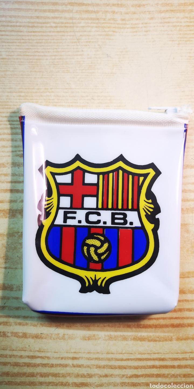 Coleccionismo deportivo: F. C. Barcelona monedero escudo del Barça a estrenar - Foto 2 - 182475063