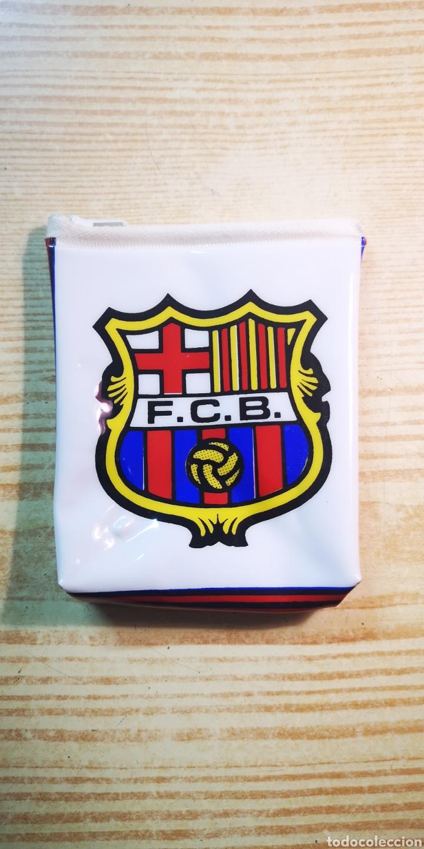 F. C. BARCELONA MONEDERO ESCUDO DEL BARÇA A ESTRENAR (Coleccionismo Deportivo - Merchandising y Mascotas - Futbol)