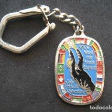 Coleccionismo deportivo: LLAVERO CAMPEONATO MUNDIAL FUTBOL INGLATERRA 1966. Lote 183511400