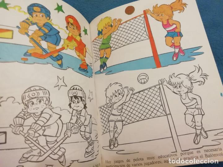 Coleccionismo deportivo: SPORT-BILLY MASCOTA OFICIAL DE LA FIFA Nº 1 Y 2- LIBRO PARA COLOREAR -1982 - Foto 4 - 183626165