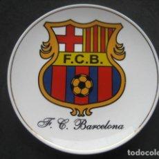 Coleccionismo deportivo: PLATO PORCELANA ESCUDO FUTBOL CLUB BARCELONA. BARÇA. Lote 183711227