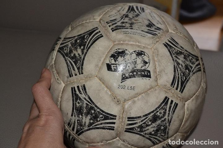 Coleccionismo deportivo: BALON DE FUTBOL ADIDAS QUESTRA. MUNDIAL DE ESTADOS UNIDOS 1994 - Foto 2 - 183820615