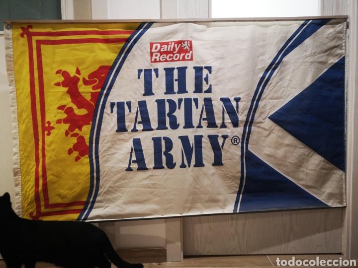 150 X 90 THE TARTAN ARMY DAILY RECORDS BANDERA (Coleccionismo Deportivo - Merchandising y Mascotas - Futbol)
