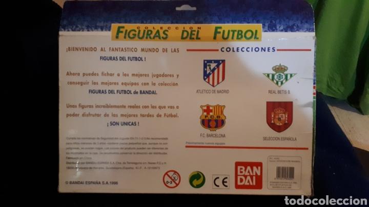 Coleccionismo deportivo: Antigua caja jugadores futbol cabezones Atleti de Madrid Bandai completa año 1996 - Foto 2 - 195771727