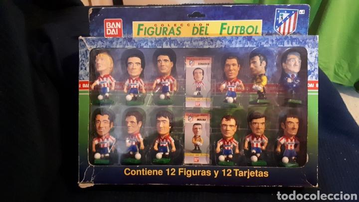 ANTIGUA CAJA JUGADORES FUTBOL CABEZONES ATLETI DE MADRID BANDAI COMPLETA AÑO 1996 (Coleccionismo Deportivo - Merchandising y Mascotas - Futbol)