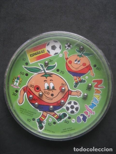 Coleccionismo deportivo: JUEGO DE BOLAS. MUNDIAL DE FUTBOL ESPAÑA 1982. NARANJITO - Foto 2 - 187205686