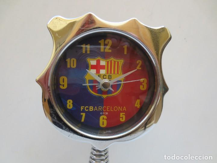 Coleccionismo deportivo: RELOJ DESPERTADOR F.C. BARCELONA - BARÇA - FUNCIONANDO . - Foto 2 - 194213450