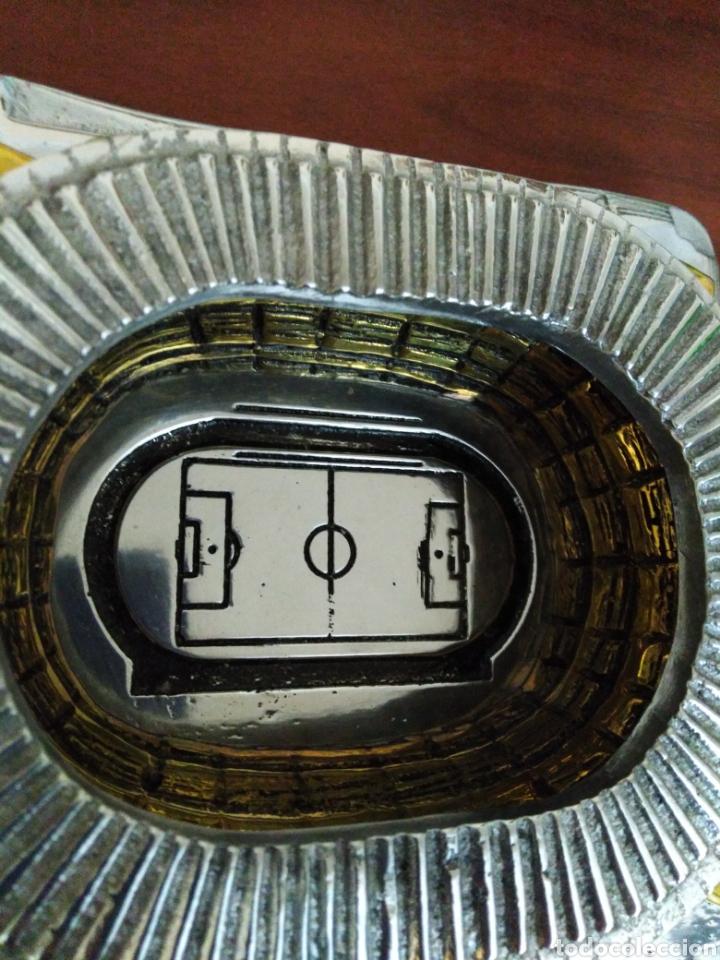 Coleccionismo deportivo: Estadio olímpico de Sevilla ( maqueta metálica ) - Foto 5 - 194246193