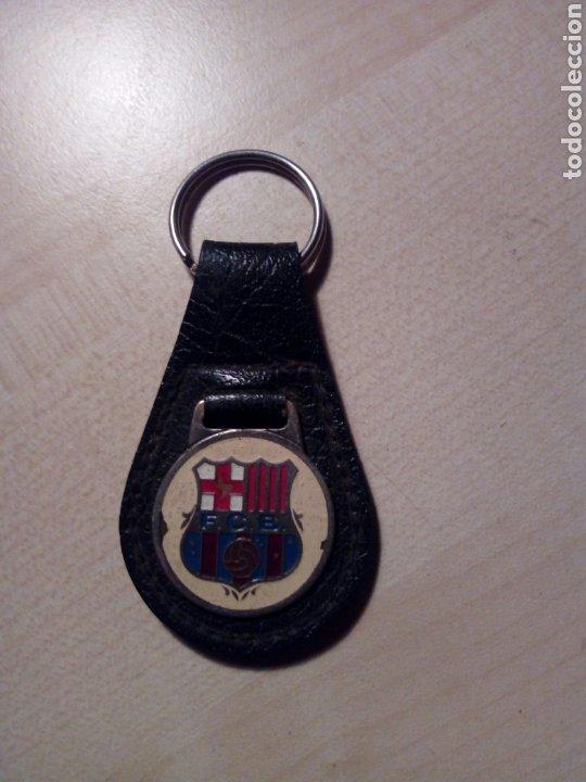 VIEJO LLAVERO DEL FUTBOL CLUB BARCELONA BARÇA - METÁLICO Y BASE DE CUERO (Coleccionismo Deportivo - Merchandising y Mascotas - Futbol)