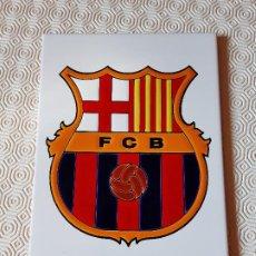 Coleccionismo deportivo: AZULEJO F.C. BARCELONA. NUNCA PEGADO BUEN ESTADO.. Lote 194673567