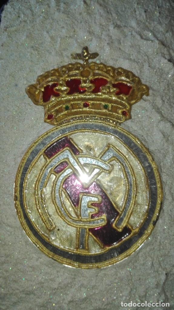 Coleccionismo deportivo: BOTELLA ARTESANAL REAL MADRID - Foto 5 - 194692546