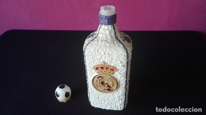 Coleccionismo deportivo: BOTELLA ARTESANAL REAL MADRID - Foto 11 - 194692546