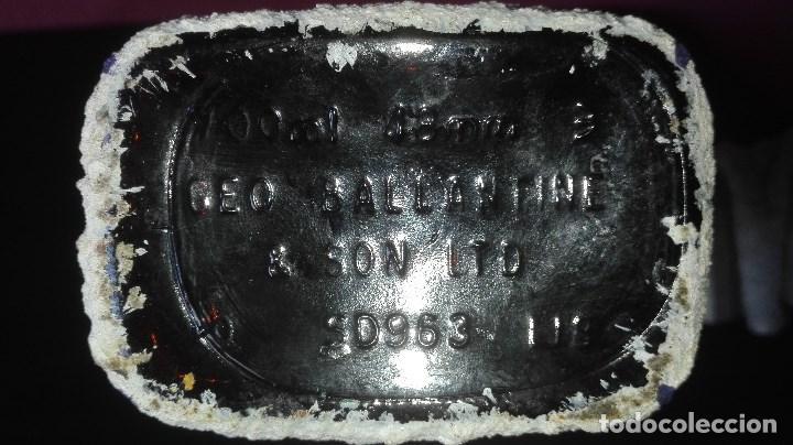 Coleccionismo deportivo: BOTELLA ARTESANAL REAL MADRID - Foto 13 - 194692546