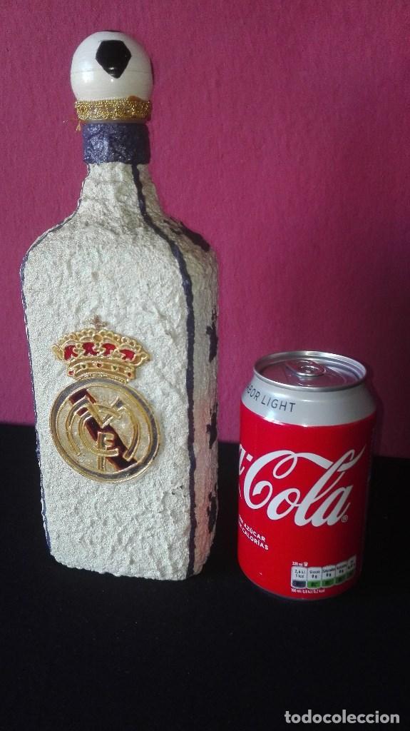 Coleccionismo deportivo: BOTELLA ARTESANAL REAL MADRID - Foto 14 - 194692546