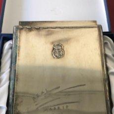 Coleccionismo deportivo: REAL MADRID CLUB DE FÚTBOL 1902-2002 CENTENARIO. AGENDA DE PLATA.. Lote 194758006