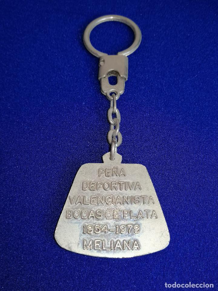 Coleccionismo deportivo: LLAVERO PEÑA VALENCIANISTA DE MELIANA (BODAS DE PLATA 1954-1979) - Foto 5 - 194871093