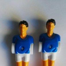 Coleccionismo deportivo: 2 FIGURAS JUGADORES FUTBOLÍN. Lote 195098846