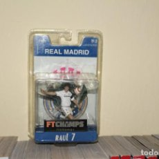 Coleccionismo deportivo: FTCHAMPS - RAUL 7 - REAL MADRID - SERIE 4-4-2 - FIGURA DE 7.5 CM. BLISTER NUEVO!. Lote 195201622