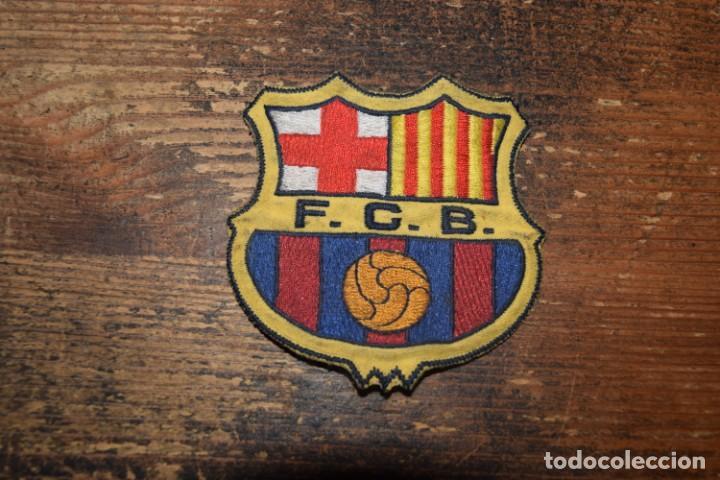 ANTIGUO PARCHE EN TELA DEL ESCUDO DEL BARCELONA (Coleccionismo Deportivo - Merchandising y Mascotas - Futbol)