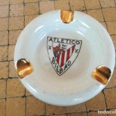 Coleccionismo deportivo: CENICERO DEL EQUIPO DE FUTBOL ATLETICO BILBAO - EN PORCELANA PINTADA A MANO - DIAMETRO: 10 CM. Lote 196233768