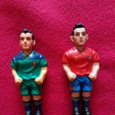 Coleccionismo deportivo: MINIGOLS CASILLAS Y CESC. Lote 199449393
