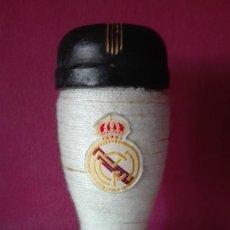 Coleccionismo deportivo: BOTELLA BOTA REAL MADRID. Lote 199807110