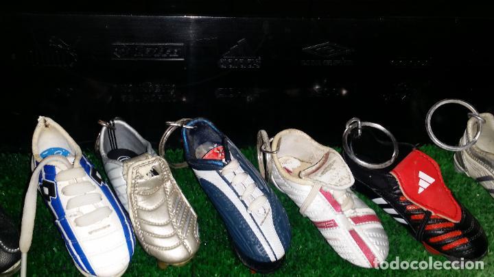 Coleccionismo deportivo: COLECCION MINI BOTAS FUTBOL MINIBOTAS LLAVERO CON EXPOSITOR - Foto 6 - 201547543