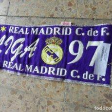 Coleccionismo deportivo: BUFANDA REAL MADRID LIGA 96 - 97 CAMPEÓN DE LIGA , 1996 - 1997 . OFICIAL Y SIN USO.. Lote 202889536