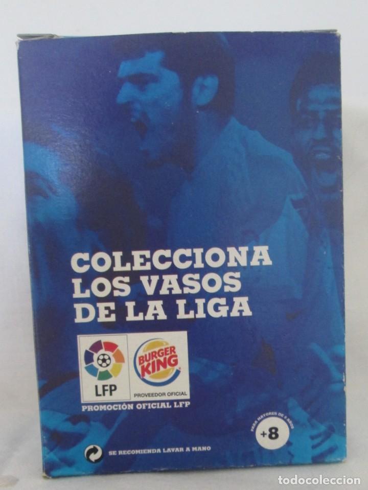 Coleccionismo deportivo: Vaso de cristal F C Barcelona, promoción Burguer King Los vasos de la Liga BBVA. En su caja - Foto 2 - 205830430