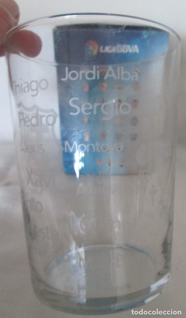 Coleccionismo deportivo: Vaso de cristal F C Barcelona, promoción Burguer King Los vasos de la Liga BBVA. En su caja - Foto 4 - 205830430