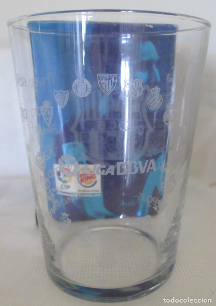 Coleccionismo deportivo: Vaso de cristal F C Barcelona, promoción Burguer King Los vasos de la Liga BBVA. En su caja - Foto 5 - 205830430