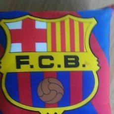 Coleccionismo deportivo: COJIN DEL F.C.BARCELONA FCBARÇA 31 X 31 X 10CM APROX. Lote 206181613