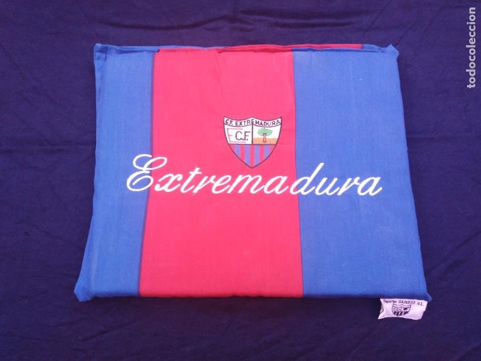 ALMOHADILLA ANTIGUA FÚTBOL C.F. EXTREMADURA. (Coleccionismo Deportivo - Merchandising y Mascotas - Futbol)