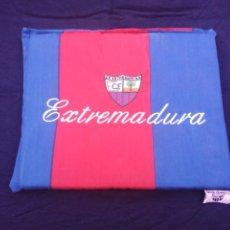 Coleccionismo deportivo: ALMOHADILLA ANTIGUA FÚTBOL C.F. EXTREMADURA.. Lote 206429271