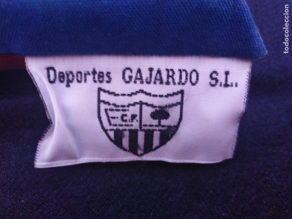 Coleccionismo deportivo: almohadilla antigua fútbol C.F. Extremadura. - Foto 4 - 206429271
