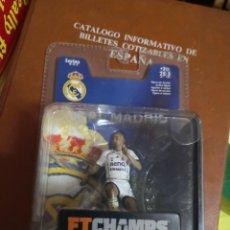 Coleccionismo deportivo: FTCHAMPS - RONALDO NAZARIO DE LIMA 9 - REAL MADRID - SERIE 4-3-3 - FIGURA DE 7.5 CM. BLISTER NUEVO!. Lote 207406430
